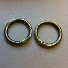 Mousquetons  ronds 35mm vieux laiton (2 pièces)